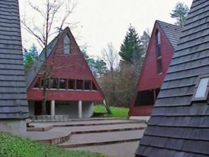 Hüttendorf, Blick auf das Kuratus-Will-Haus